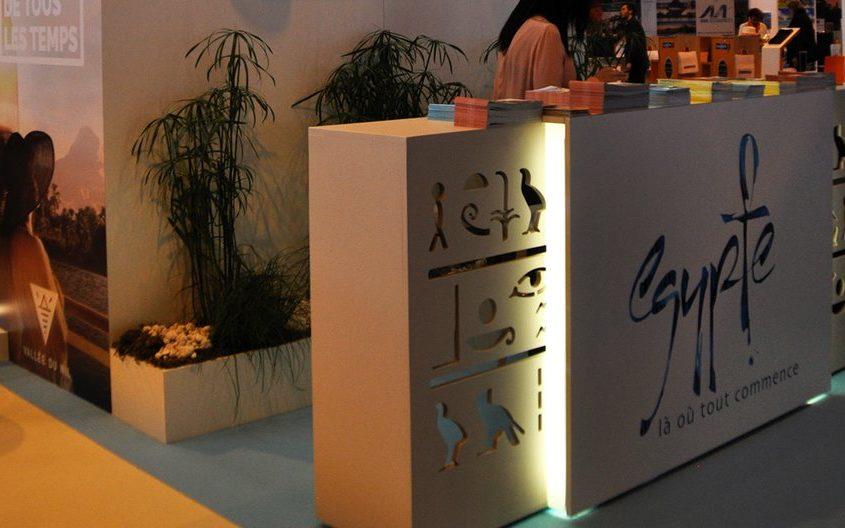 Stand en menuiserie avec décoration égyptienne pour l'évènement international du tourisme du MAP Paris.