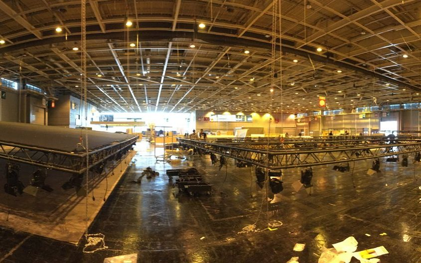 Aménagement des ponts lumières et vélum pour 800 m2 de stands à la Foire de Paris