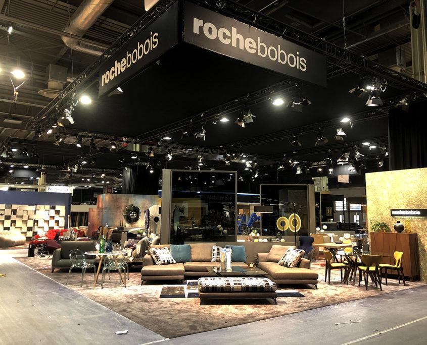 Conception et mise en lumière du stand Roche Bobois sur la Foire de Paris 2018 - Pont lumière et vélum noir