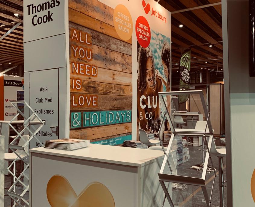 Conception et fabrication de stands d'exposition pour foires et salons. solution Le Transversale - impressions de tissus -