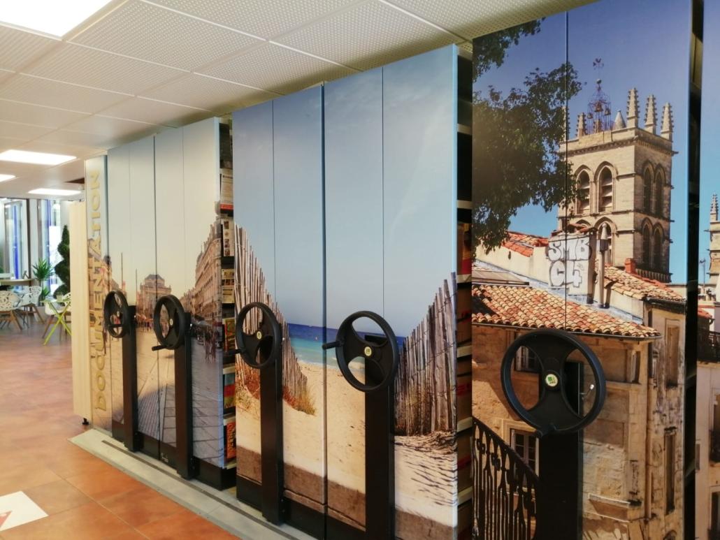 Conception et installation de signalétique intérieure permanente. Office de Tourisme de Montpellier. Transversale